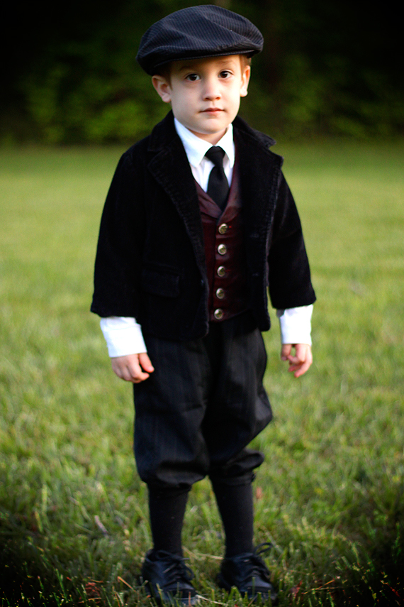 Young Master Calvin, Newsboy